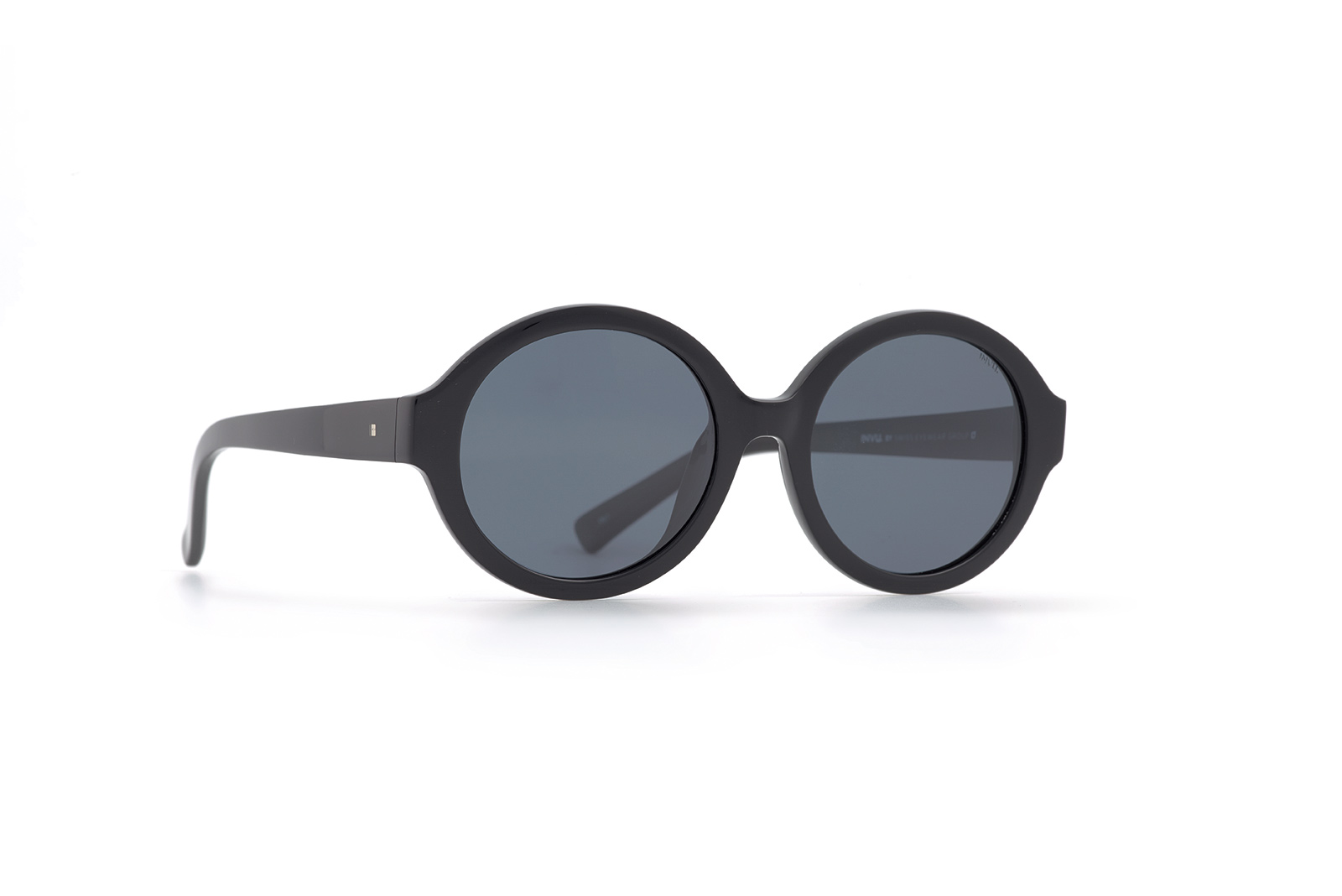 INVU férfi napszemüveg V2804 A